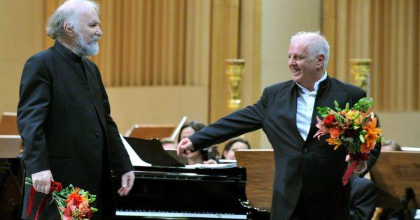 Radu Lupu si Daniel Barenboim pe scena Salii Palatului Agerpres_7227750